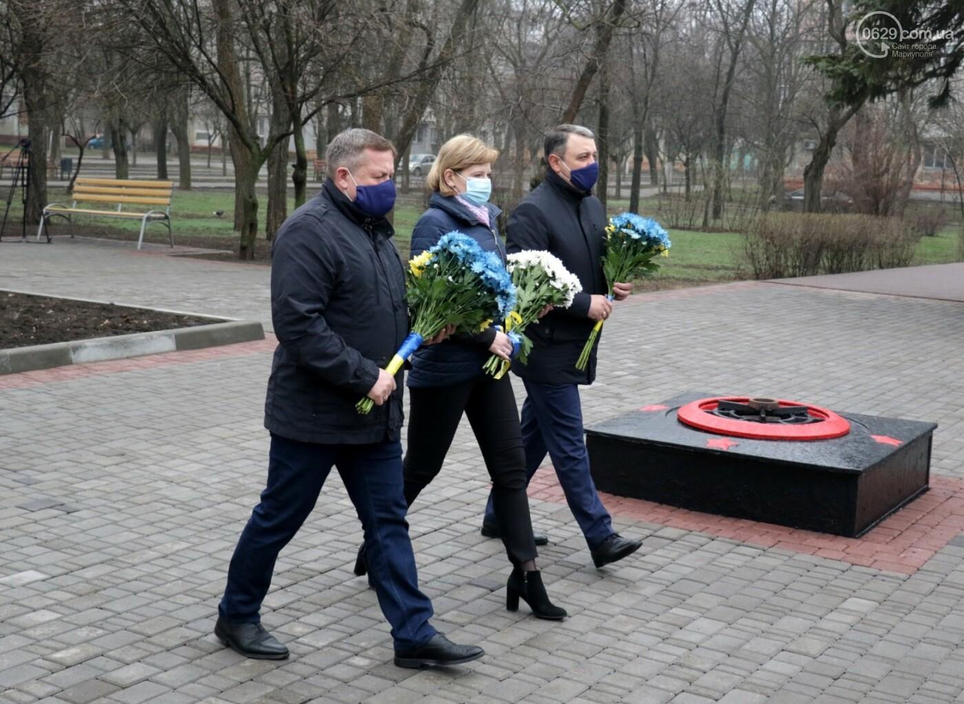 «Выкупили за 3 рейхсмарки». В Мариуполе возложили цветы в память об узниках фашистских концлагерей, - ФОТО, фото-7