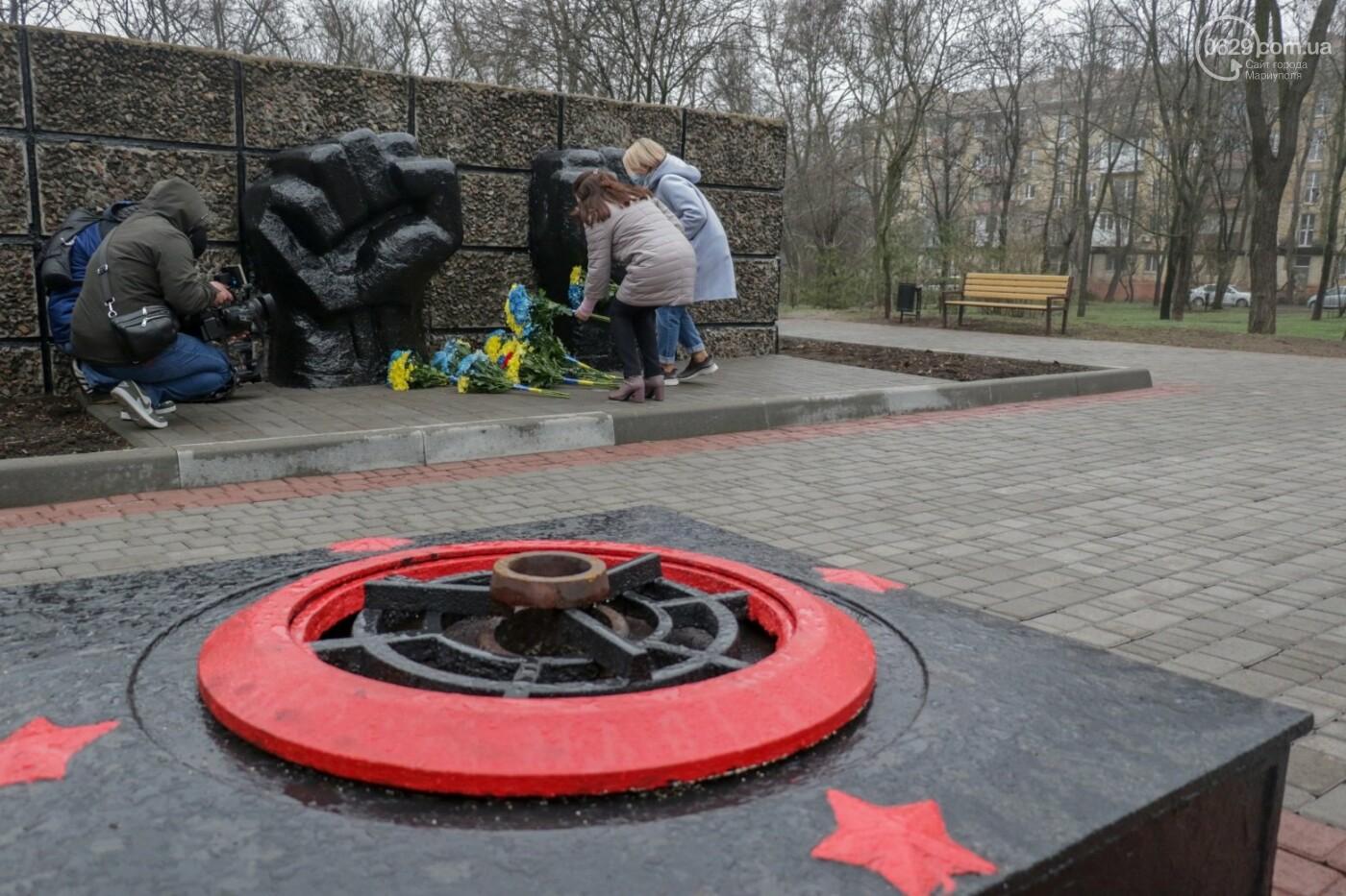 «Выкупили за 3 рейхсмарки». В Мариуполе возложили цветы в память об узниках фашистских концлагерей, - ФОТО, фото-12