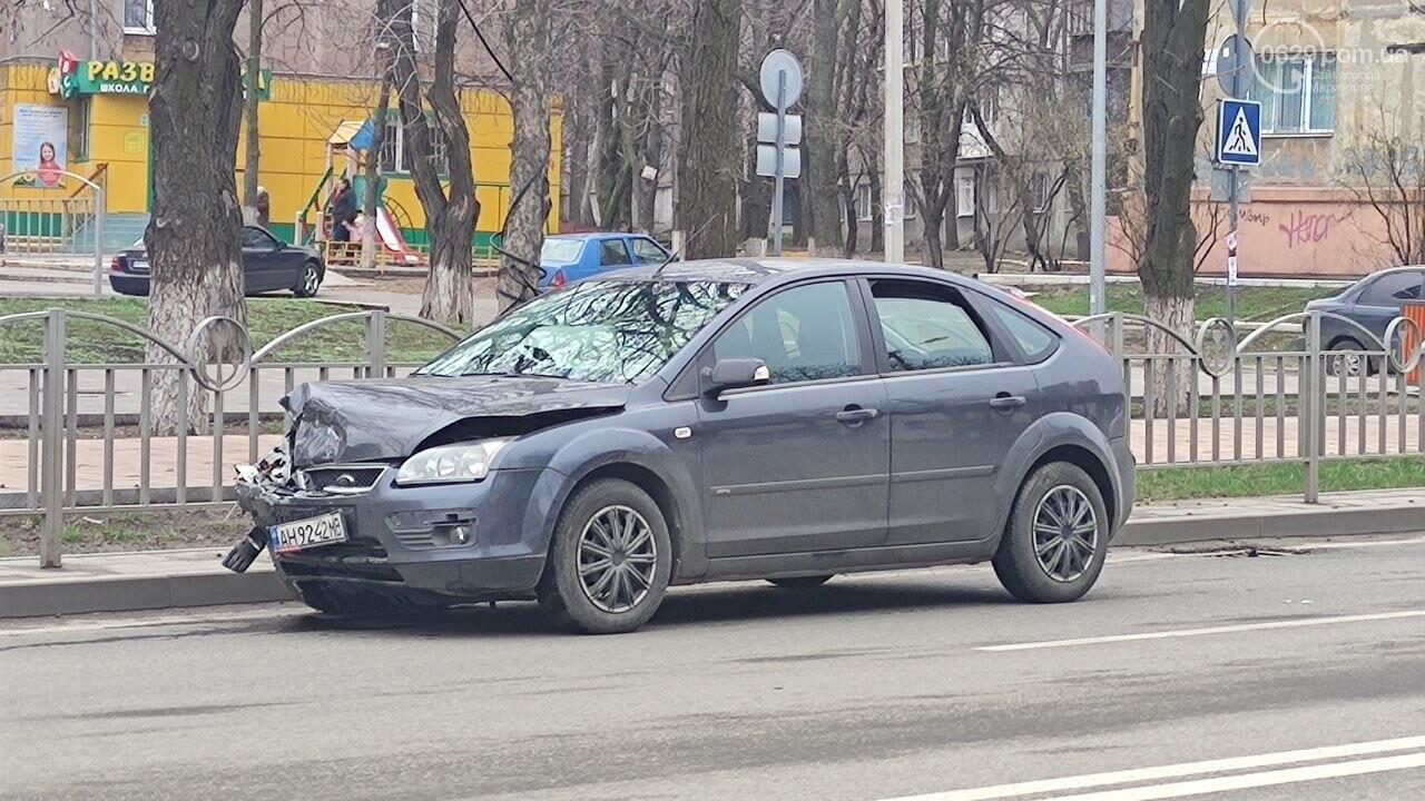"""Роковое место! В Мариуполе на одном из самых аварийных перекрестков столкнулись """"Ланос"""" и """"Форд"""", - ФОТО, фото-9"""