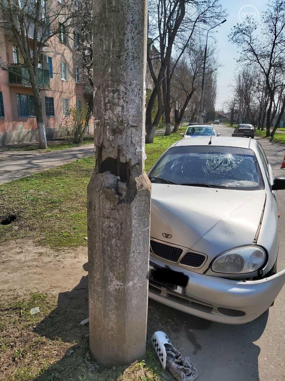 В Мариуполе таксист на Daewoo  влетел в столб, - ФОТО, фото-4