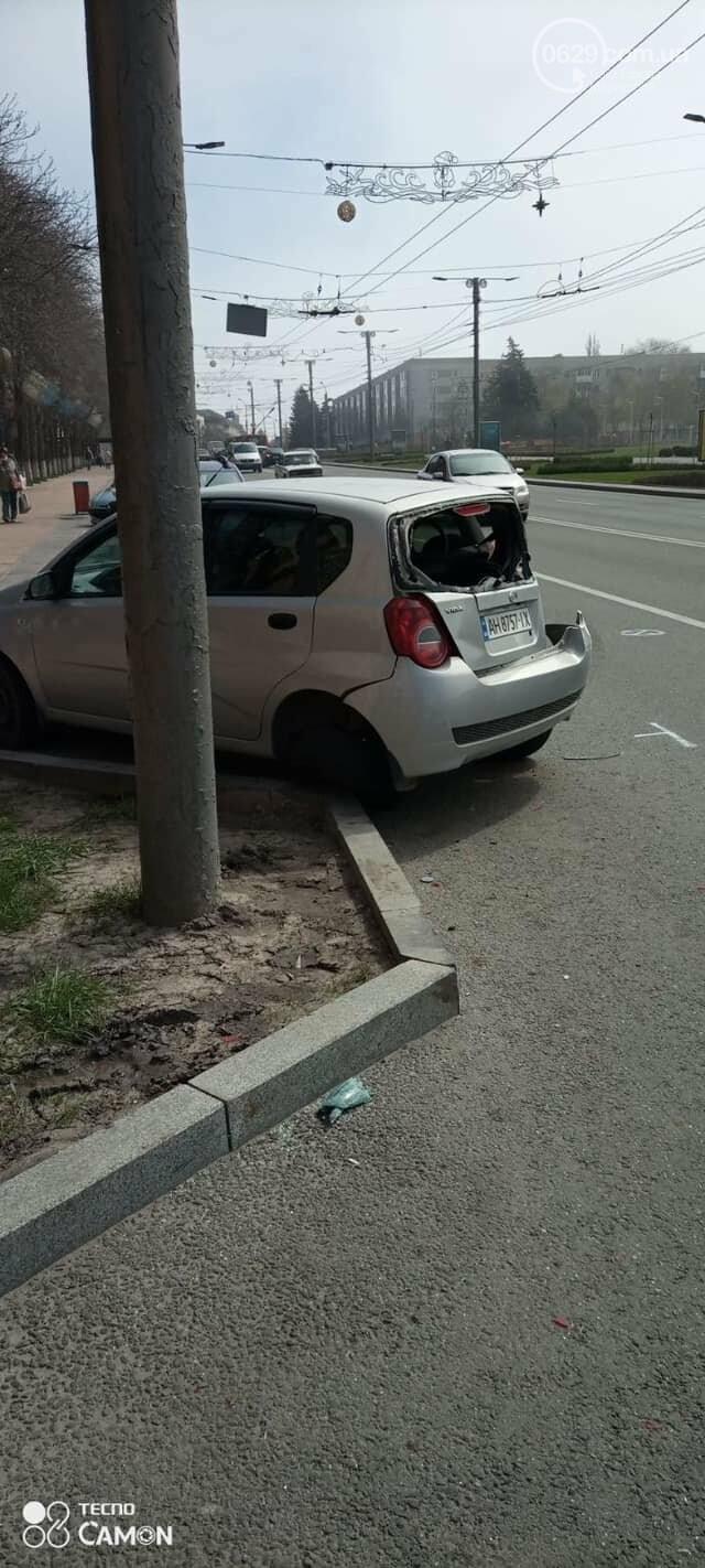 В Мариуполе утром сразу два троллейбуса попали в аварию,- ФОТО, фото-3