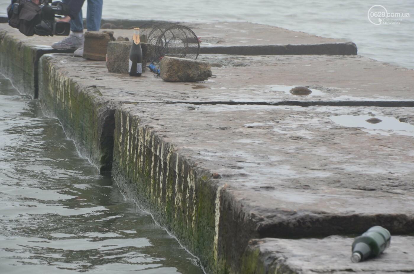 Бутылки, банки и обрывки сетей. Что находят на дне Азовского моря, - ФОТОРЕПОРТАЖ, фото-1