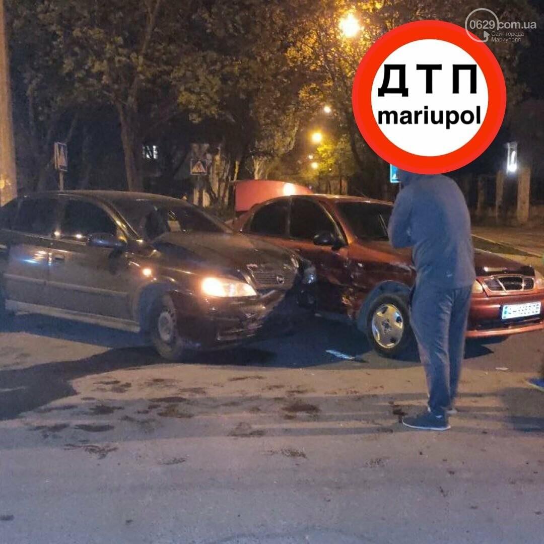 """В Мариуполе """"Дэу"""" столкнулся с """"Опелем"""". Пострадал пьяный мужчина, - ФОТО, фото-1"""