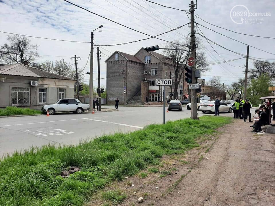 """В центре Мариуполя """"столкнулись"""" полицейская и патрульная машины, - ФОТО, фото-1"""