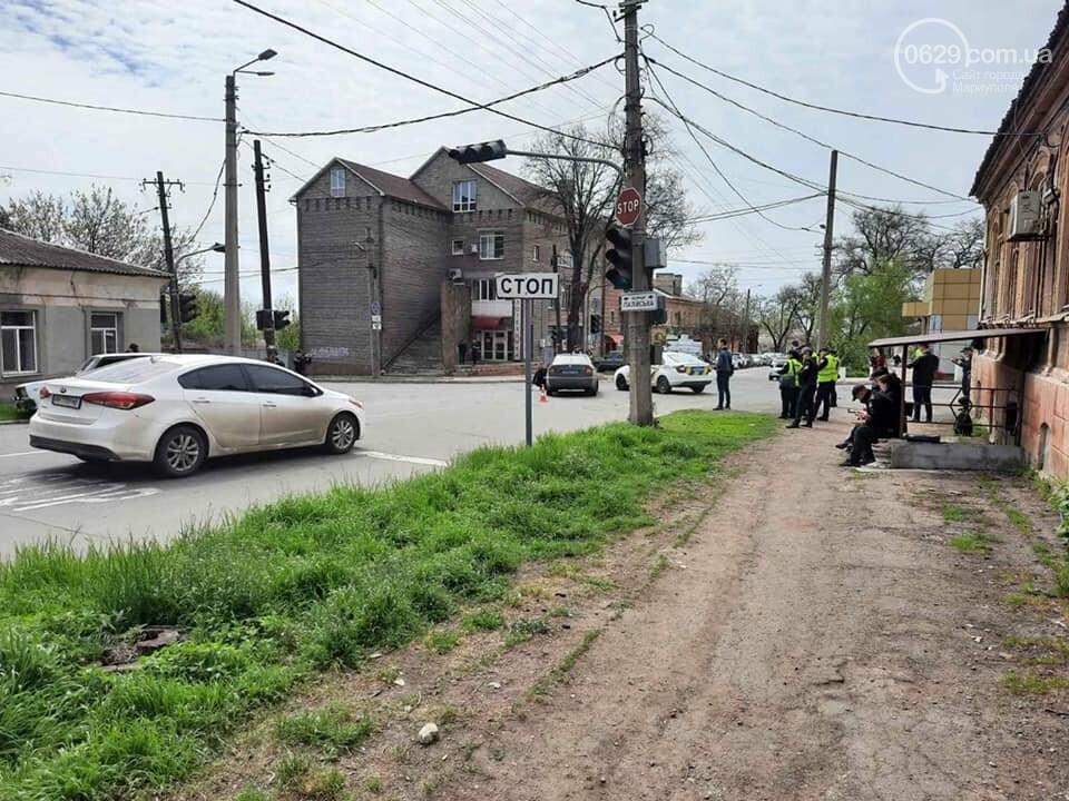 """В центре Мариуполя """"столкнулись"""" полицейская и патрульная машины, - ФОТО, фото-4"""