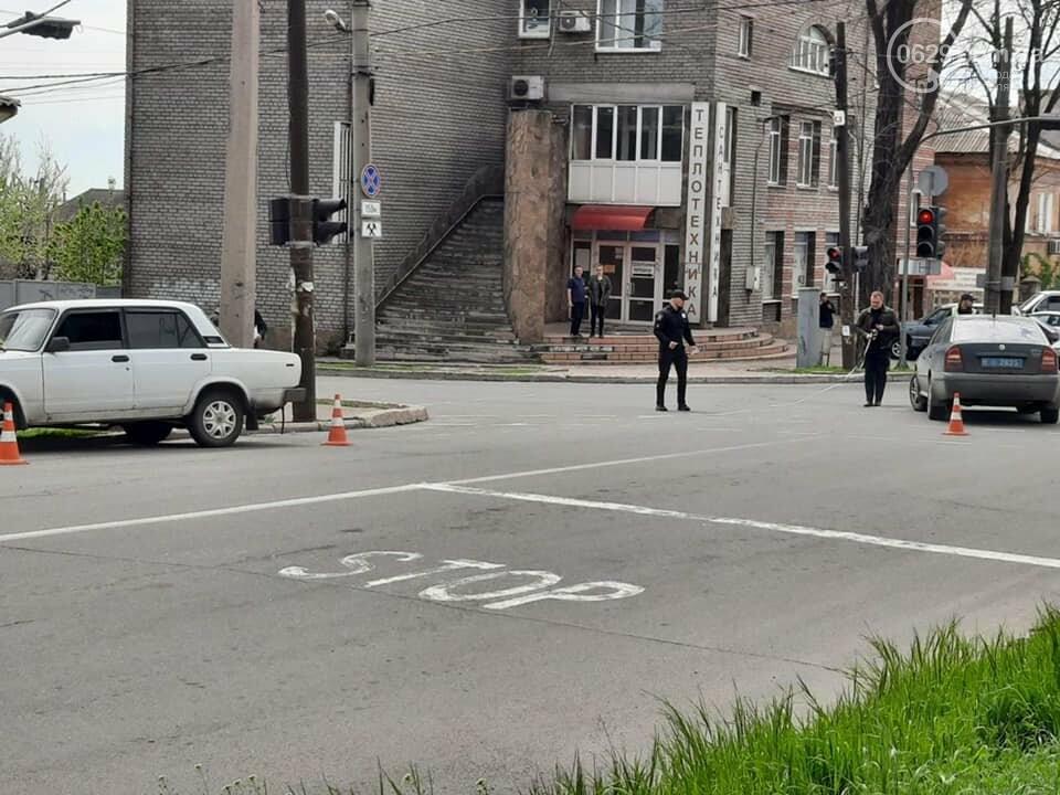 """В центре Мариуполя """"столкнулись"""" полицейская и патрульная машины, - ФОТО, фото-5"""