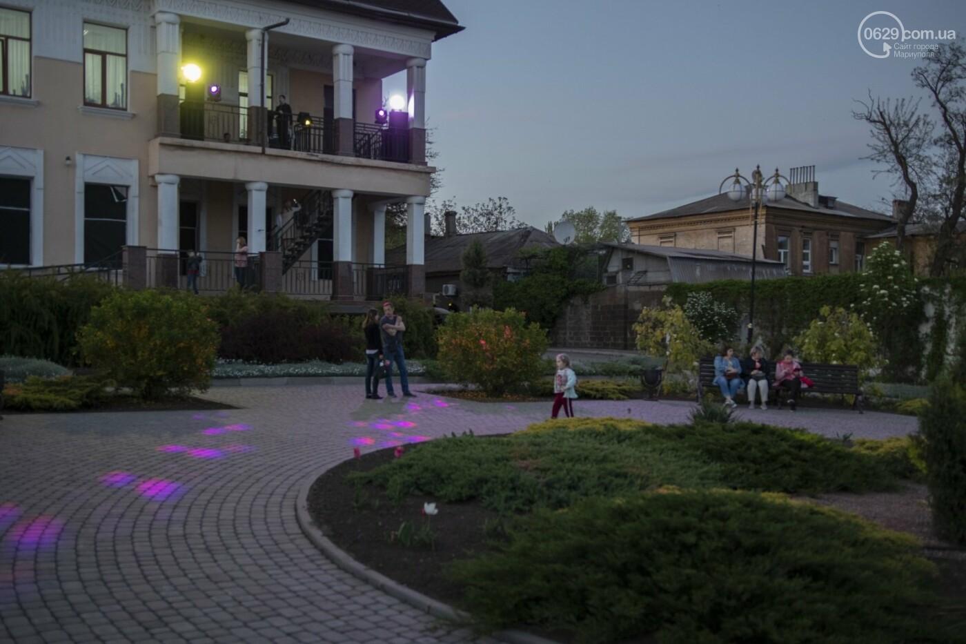Эффект «вау». 25 ночных фотографий с музейной ночи в Мариуполе, - ФОТОРЕПОРТАЖ, фото-22