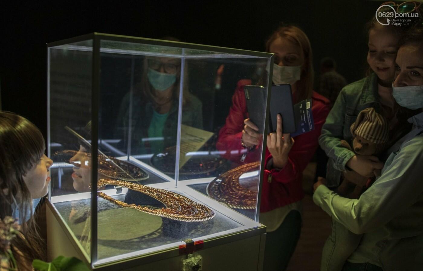 Эффект «вау». 25 ночных фотографий с музейной ночи в Мариуполе, - ФОТОРЕПОРТАЖ, фото-14