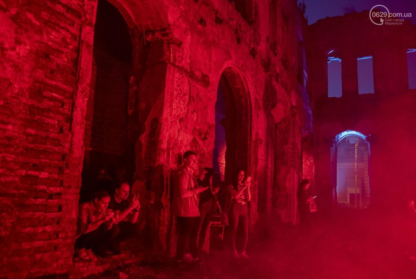 Эффект «вау». 25 ночных фотографий с музейной ночи в Мариуполе, - ФОТОРЕПОРТАЖ, фото-3