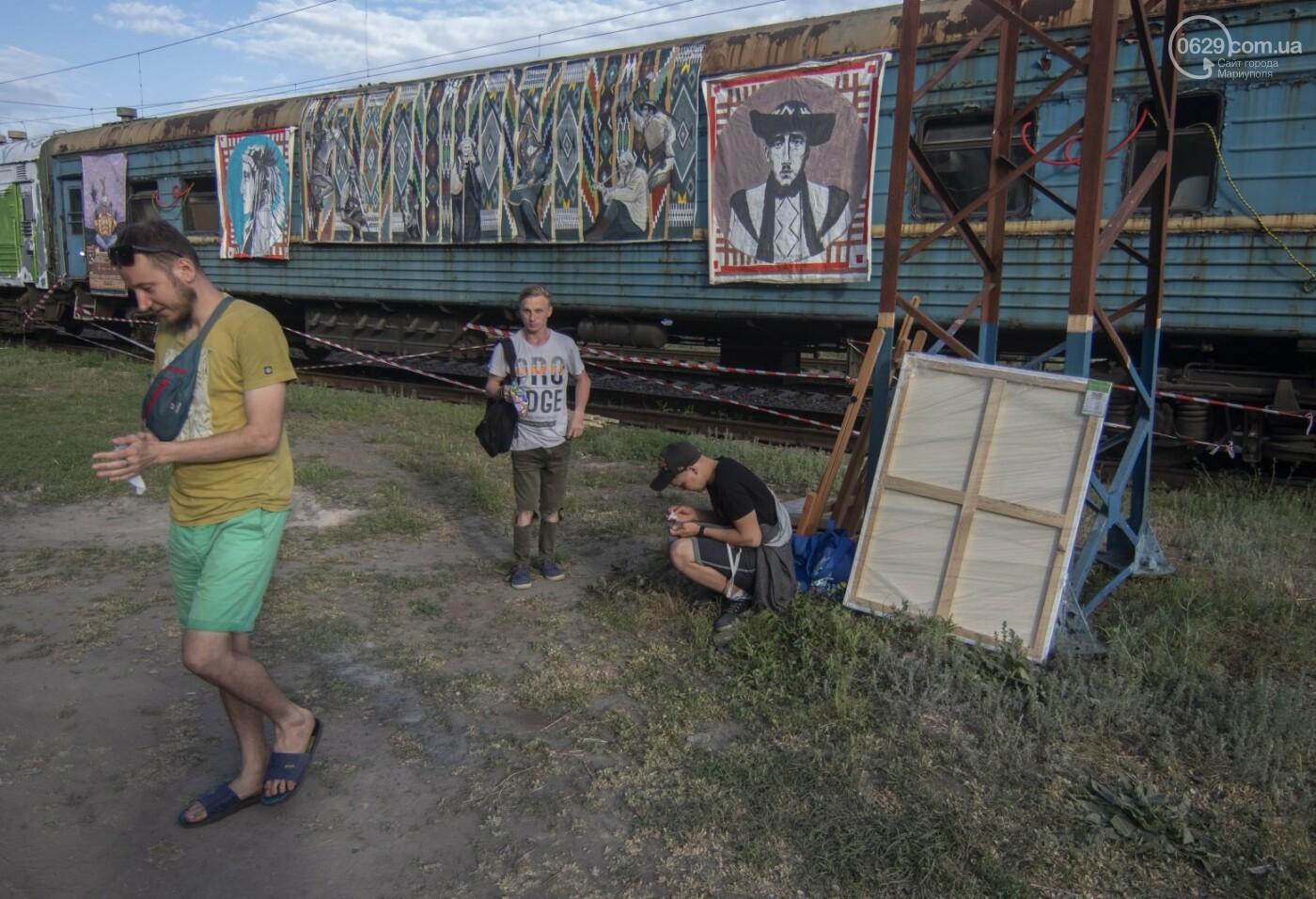 Во что превратили художники старый железнодорожный состав в Мариуполе. 33 фотографии! , фото-8