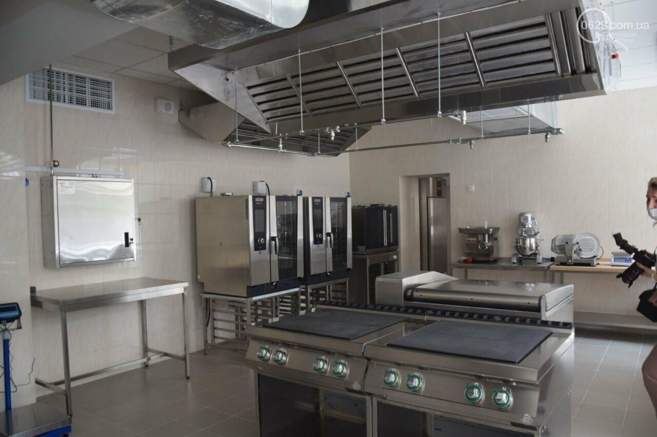 2 года в ремонте. В Мариуполе открыли суперсовременную школу, - ФОТОРЕПОРТАЖ, ВИДЕО, фото-33