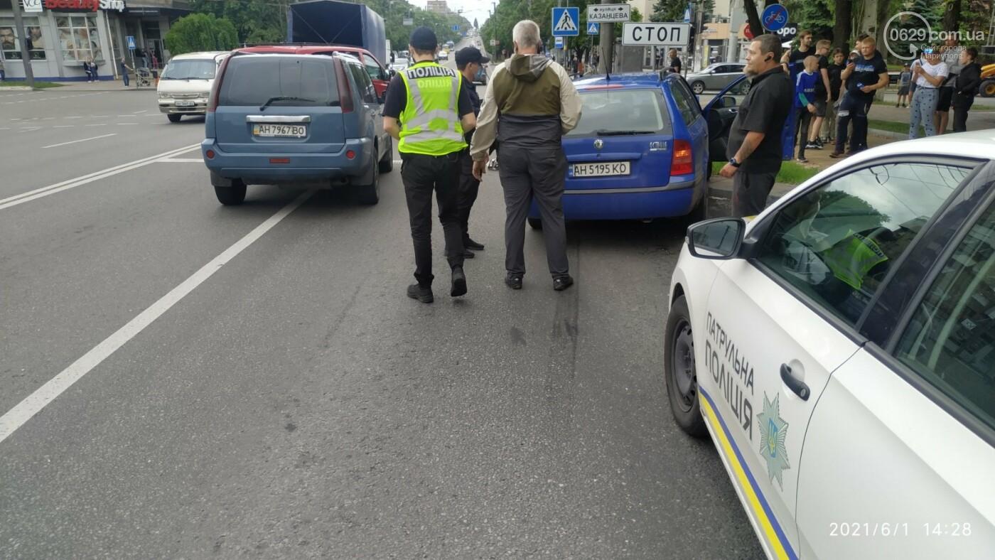 В центре Мариуполя Skoda влетела в ограждение, - ФОТО, фото-8