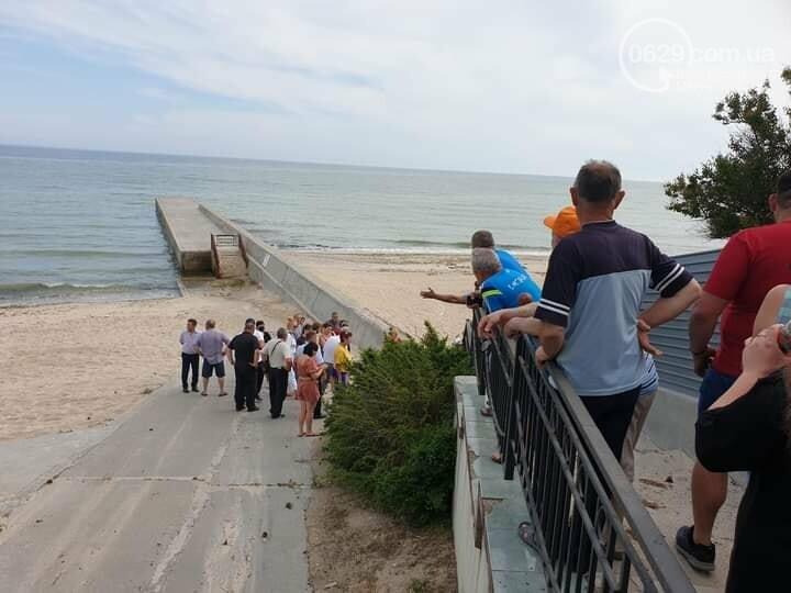 Жители Урзуфа потребовали открыть проход к морю, - ФОТО, фото-8