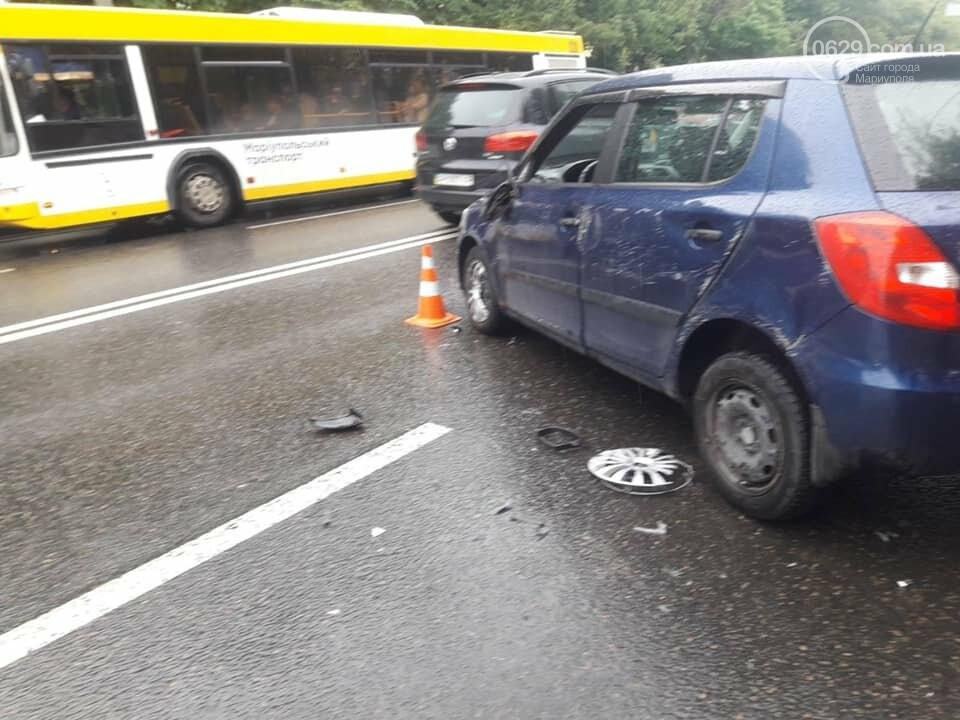 На проспекте Мира водитель влетел в дорожное ограждение, - ФОТО, фото-4