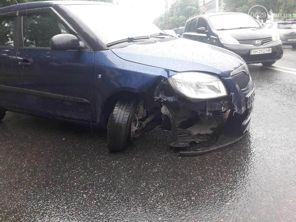 На проспекте Мира водитель влетел в дорожное ограждение, - ФОТО, фото-5