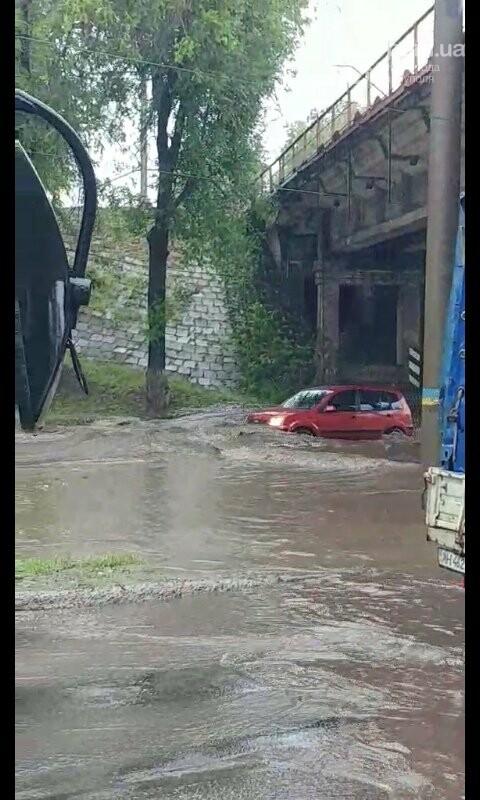 Снова потоп. В Мариуполе тонули машины и вышли из строя подстанции, - ФОТО, ВИДЕО, фото-1
