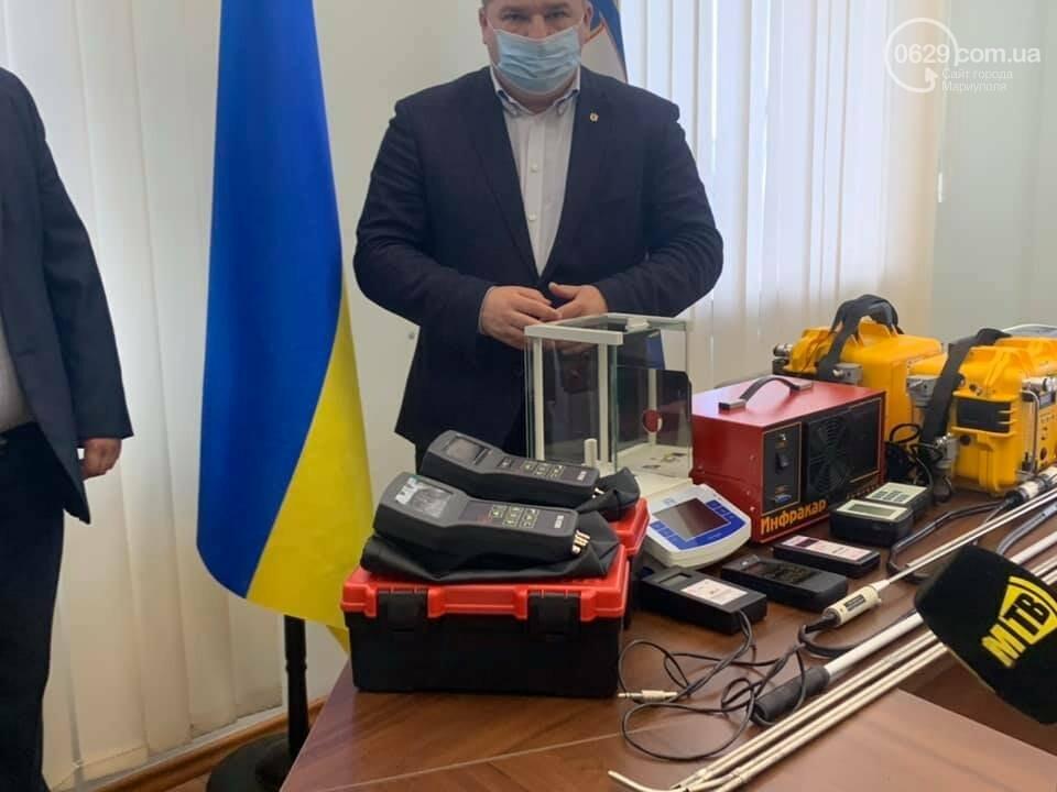 Про экологию шепотом.  Как зам. мэра передавал новое оборудование для измерения выбросов, - ВИДЕО, фото-3