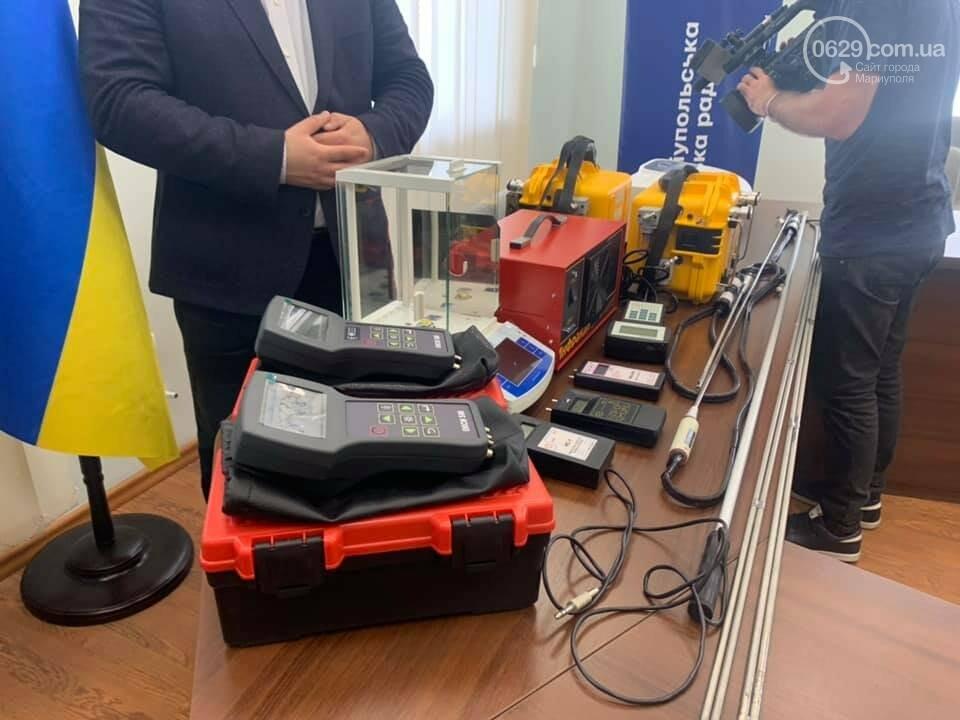 Про экологию шепотом.  Как зам. мэра передавал новое оборудование для измерения выбросов, - ВИДЕО, фото-2