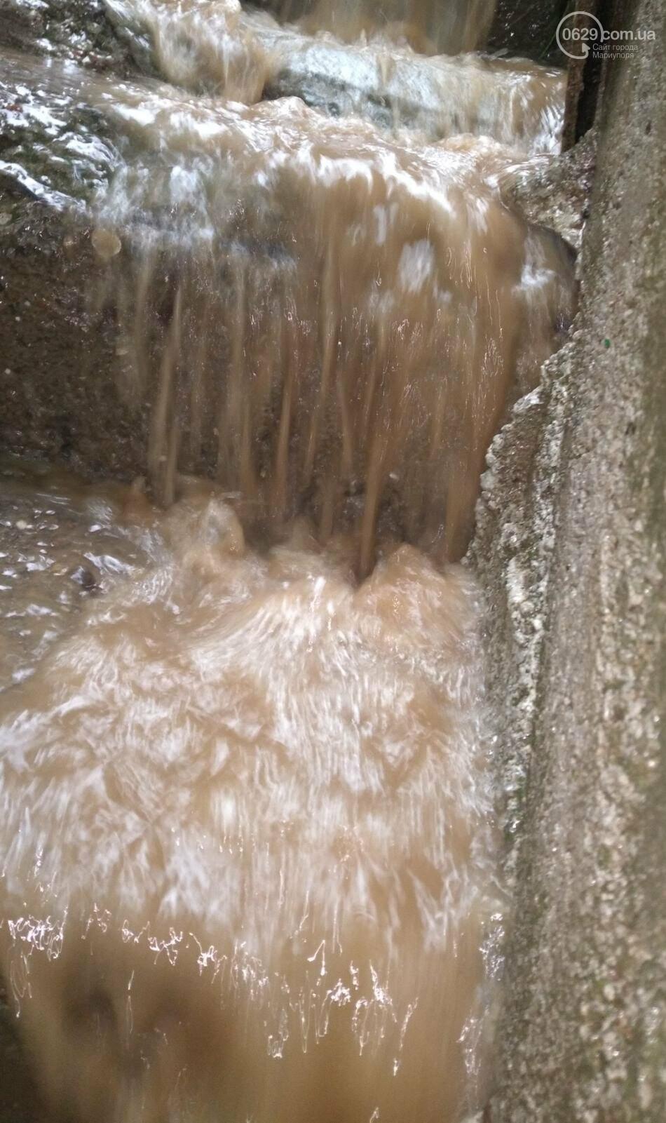 Комунальне лихо. Десятки будинків у Маріуполі затопило водою, - ВІДЕО, фото-2
