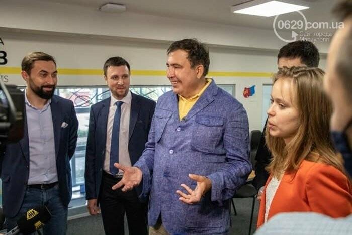 Саакашвили открыл Офис простых решений в Мариуполе. Кто за ним стоит, - ФОТО, фото-2