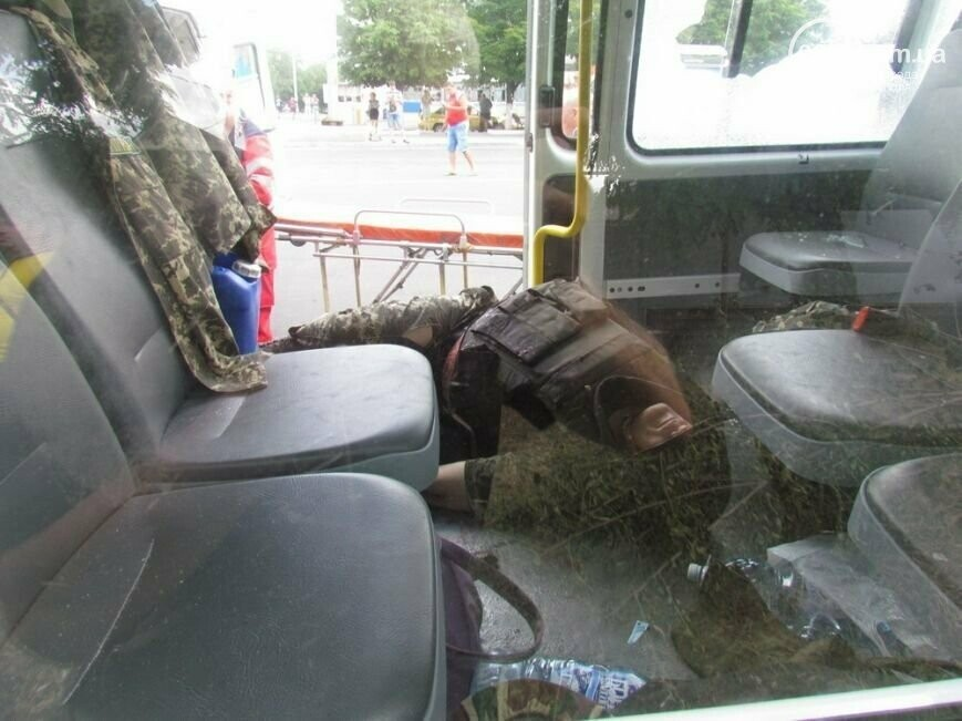 7 лет со дня трагедии: колонну пограничников расстреляли на пост-мосту в Мариуполе, фото-5