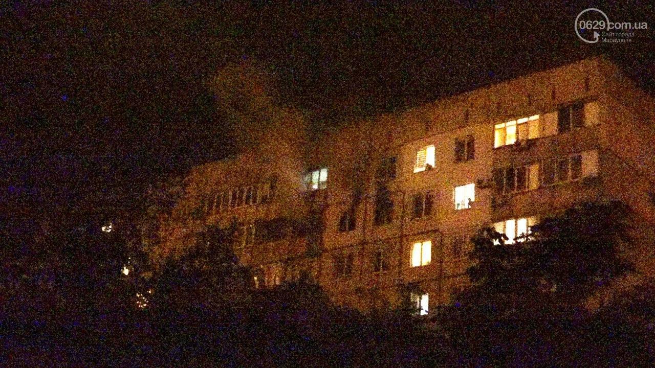 Люди выбегали из дома в одних трусах. В Мариуполе ночью горела квартира в многоэтажке, - ФОТО, фото-1