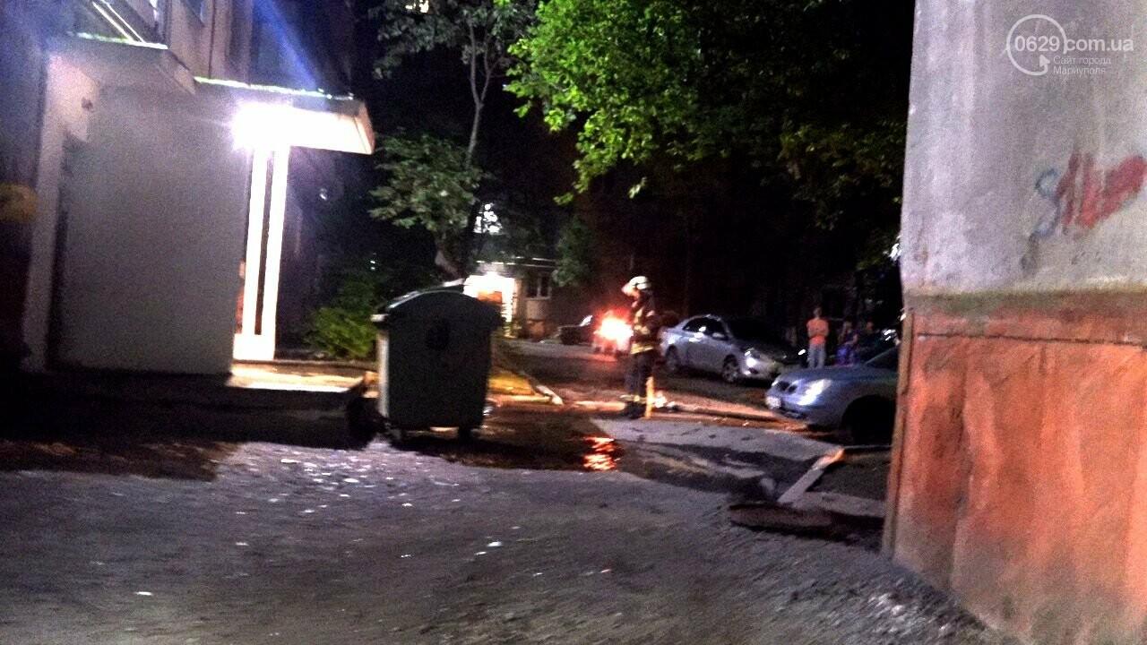 Люди выбегали из дома в одних трусах. В Мариуполе ночью горела квартира в многоэтажке, - ФОТО, фото-3