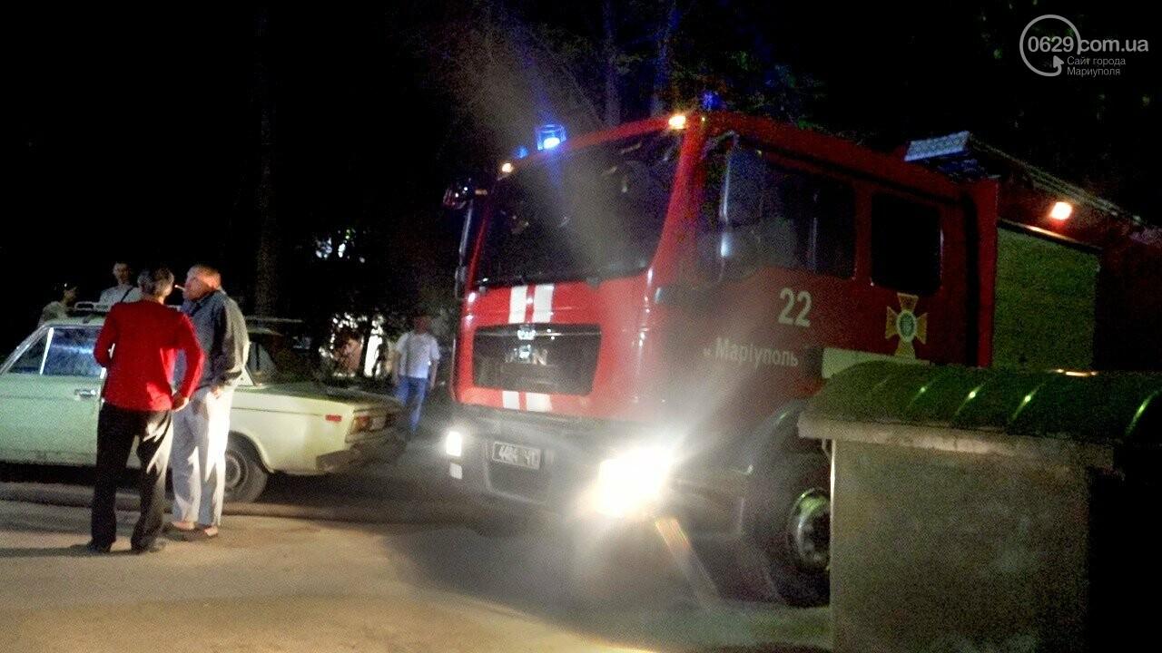 Люди выбегали из дома в одних трусах. В Мариуполе ночью горела квартира в многоэтажке, - ФОТО, фото-4