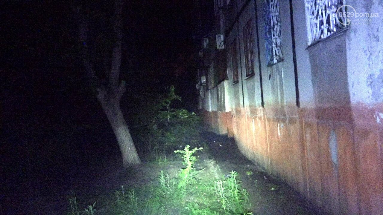 Люди выбегали из дома в одних трусах. В Мариуполе ночью горела квартира в многоэтажке, - ФОТО, фото-6