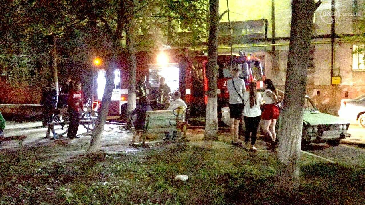 Люди выбегали из дома в одних трусах. В Мариуполе ночью горела квартира в многоэтажке, - ФОТО, фото-8