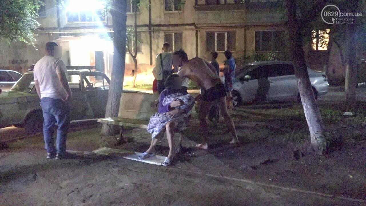 Люди выбегали из дома в одних трусах. В Мариуполе ночью горела квартира в многоэтажке, - ФОТО, фото-13