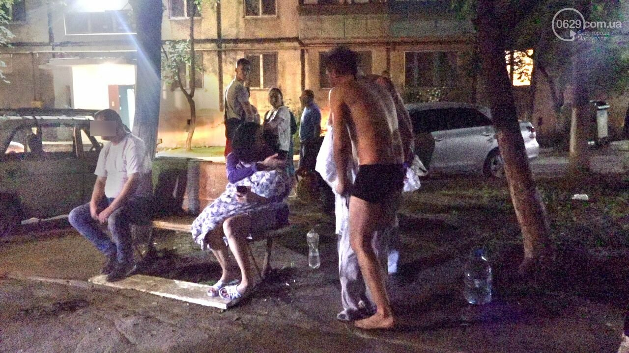 Люди выбегали из дома в одних трусах. В Мариуполе ночью горела квартира в многоэтажке, - ФОТО, фото-15