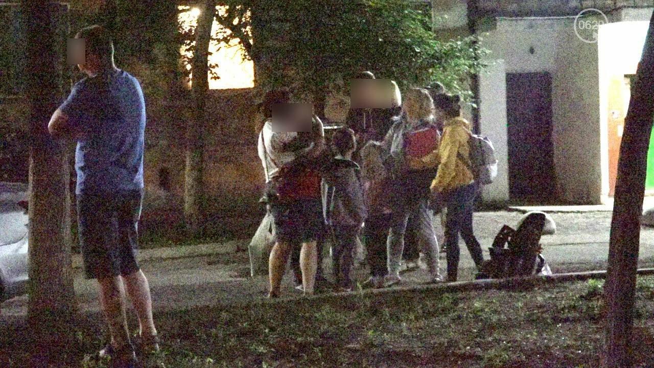 Люди выбегали из дома в одних трусах. В Мариуполе ночью горела квартира в многоэтажке, - ФОТО, фото-18