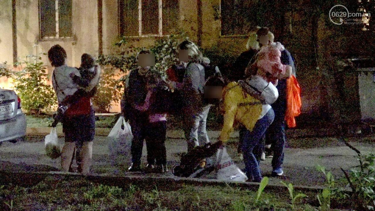 Люди выбегали из дома в одних трусах. В Мариуполе ночью горела квартира в многоэтажке, - ФОТО, фото-19