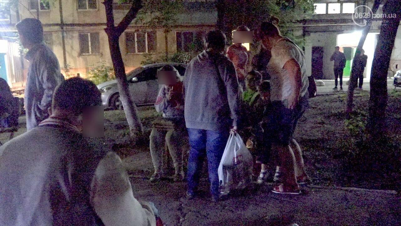 Люди выбегали из дома в одних трусах. В Мариуполе ночью горела квартира в многоэтажке, - ФОТО, фото-20