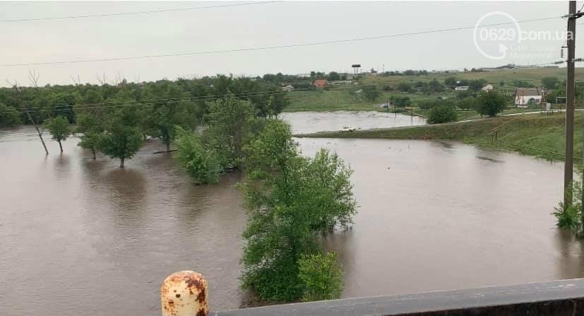 Под Мариуполем прорвало плотину.  Какой ущерб нанесла большая вода,- ВИДЕО, фото-1
