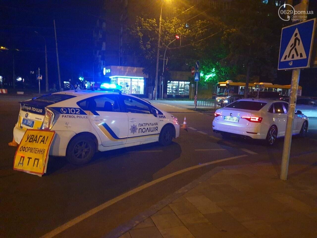 Кто виноват? В Мариуполе автомобиль на пешеходном переходе столкнулся с велосипедистом, - ФОТО, фото-7
