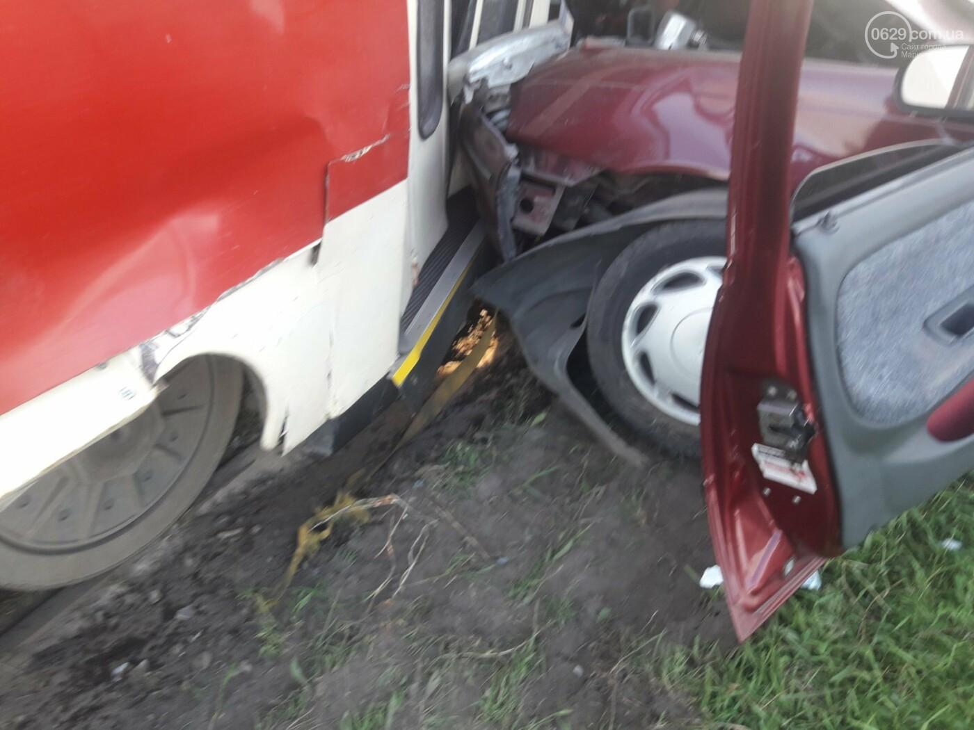 В Мариуполе Daewoo влетел в трамвай. Водитель легковушки серьезно пострадал, - ФОТО, фото-6