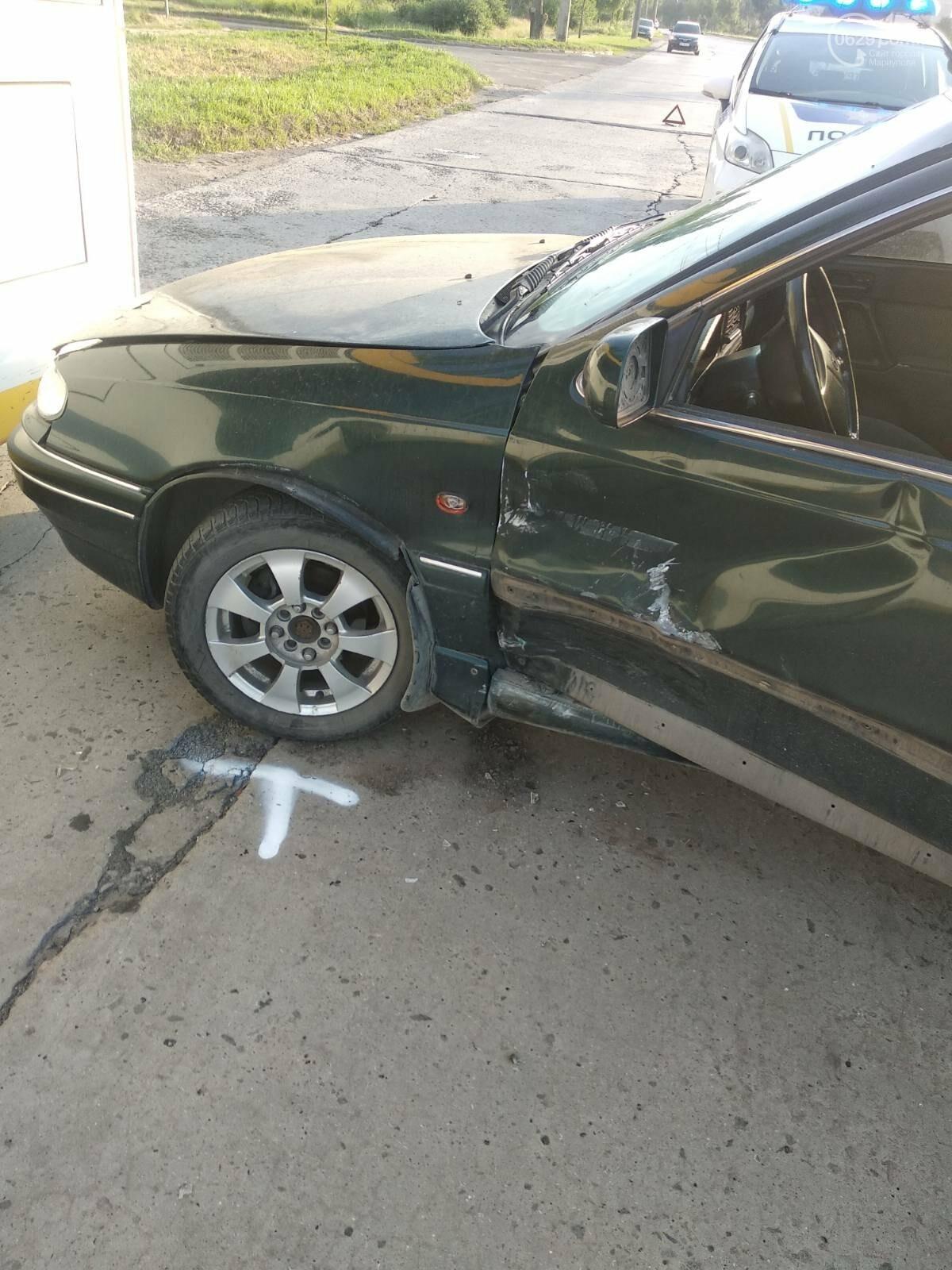 В Мариуполе Daewoo влетел в трамвай. Водитель легковушки серьезно пострадал, - ФОТО, фото-18