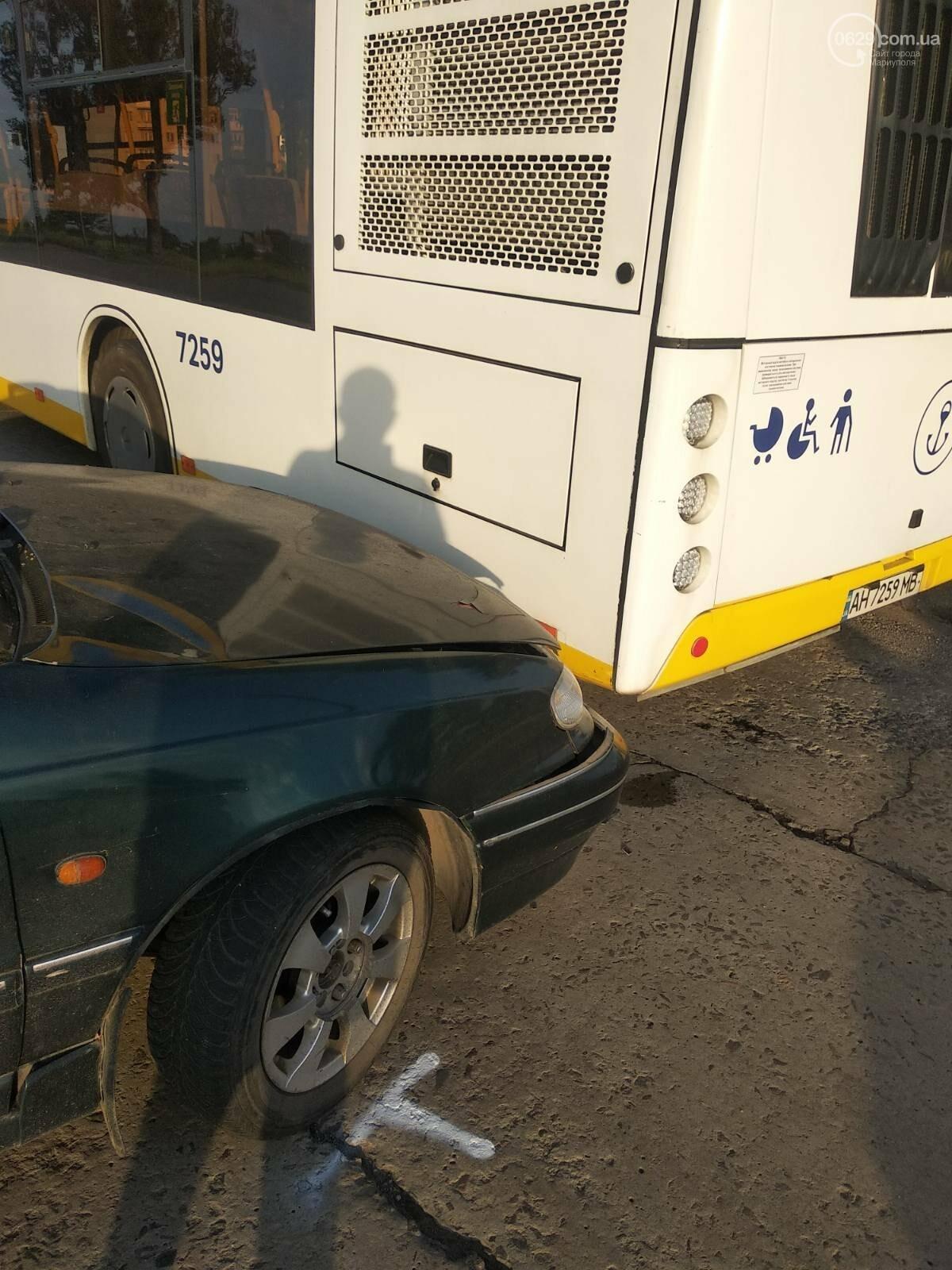 В Мариуполе Daewoo влетел в трамвай. Водитель легковушки серьезно пострадал, - ФОТО, фото-19