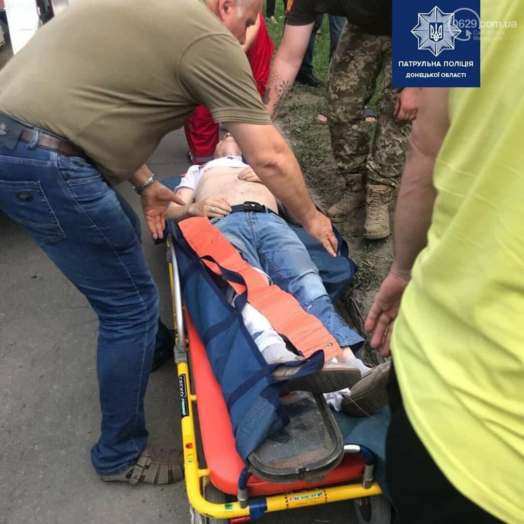 В Мариуполе Daewoo влетел в трамвай. Водитель легковушки серьезно пострадал, - ФОТО, фото-14