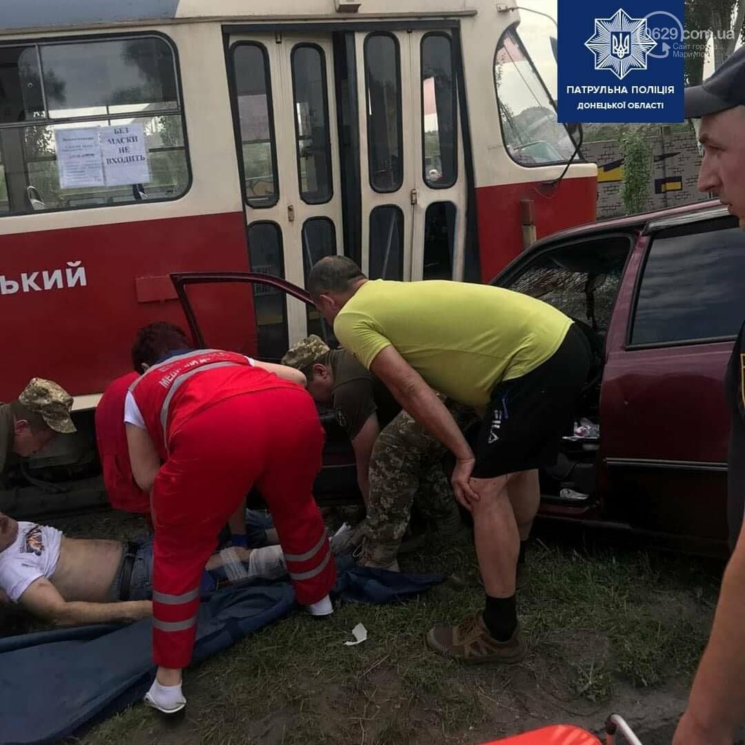 В Мариуполе Daewoo влетел в трамвай. Водитель легковушки серьезно пострадал, - ФОТО, фото-15