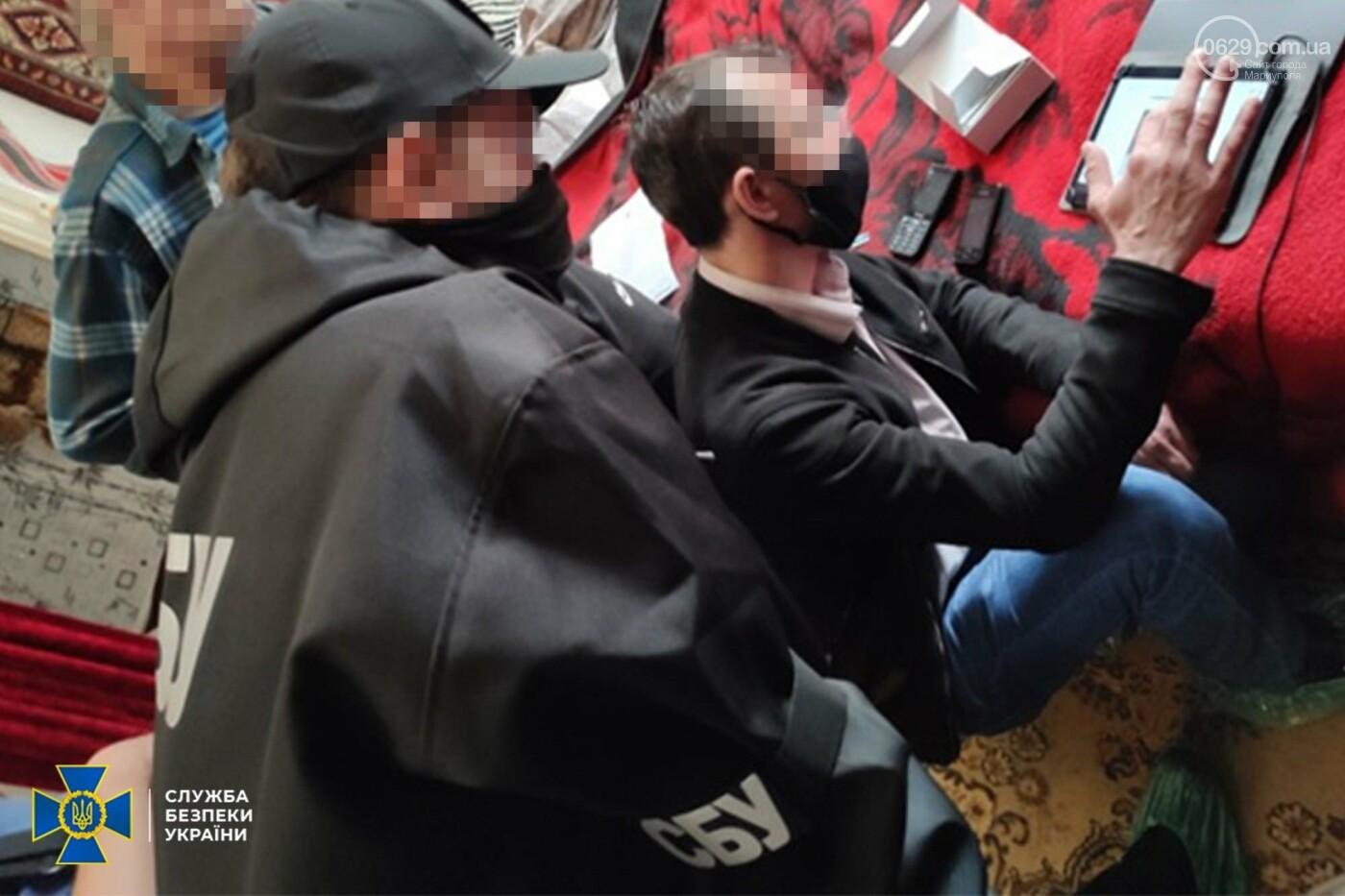 СБУ викрила у Маріуполі  двох пропагандистів, що закликали до зміни кордонів України, - ФОТО, фото-3