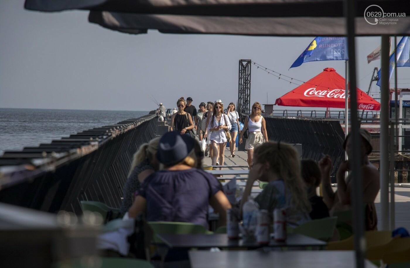 Море «закипело» от отдыхающих. Что творилось в Мариуполе на городских пляжах в выходные дни, - ФОТОРЕПОРТАЖ, фото-7