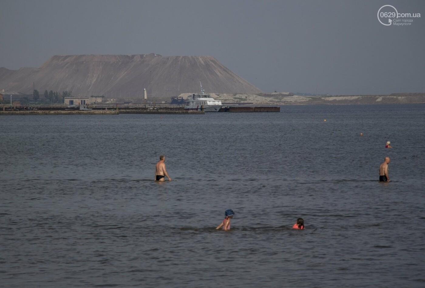 Море «закипело» от отдыхающих. Что творилось в Мариуполе на городских пляжах в выходные дни, - ФОТОРЕПОРТАЖ, фото-8