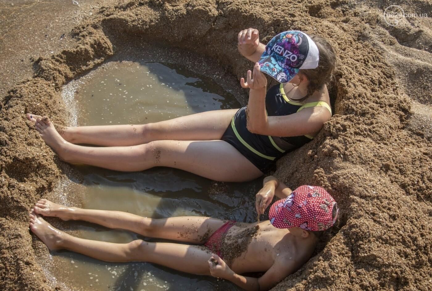 Море «закипело» от отдыхающих. Что творилось в Мариуполе на городских пляжах в выходные дни, - ФОТОРЕПОРТАЖ, фото-6