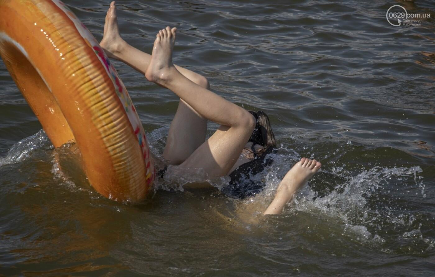 Море «закипело» от отдыхающих. Что творилось в Мариуполе на городских пляжах в выходные дни, - ФОТОРЕПОРТАЖ, фото-15