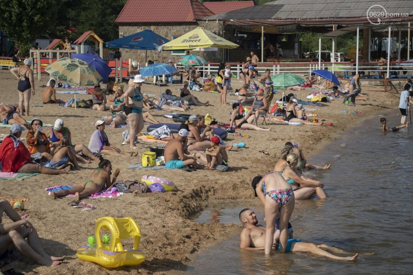 Море «закипело» от отдыхающих. Что творилось в Мариуполе на городских пляжах в выходные дни, - ФОТОРЕПОРТАЖ, фото-24