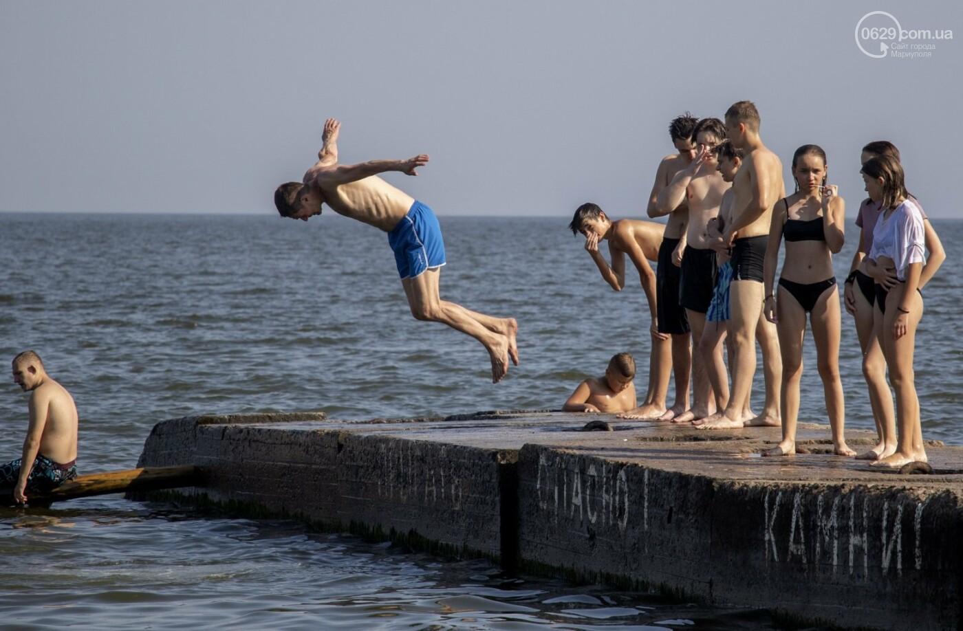 Море «закипело» от отдыхающих. Что творилось в Мариуполе на городских пляжах в выходные дни, - ФОТОРЕПОРТАЖ, фото-34