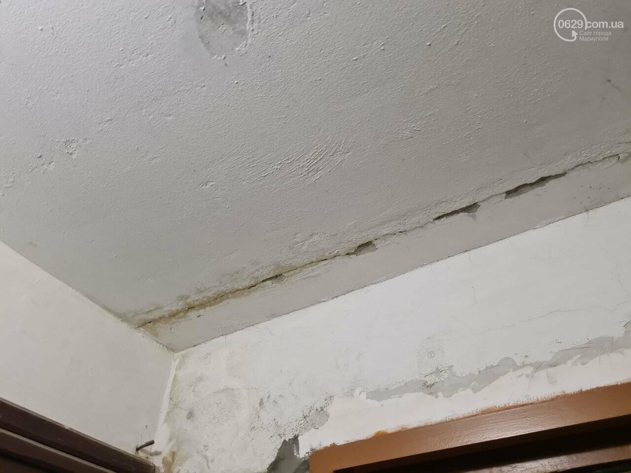 Эхо непогоды! В Мариуполе внепланово ремонтируют пострадавшую от ливня многоэтажку, - ФОТО, фото-25